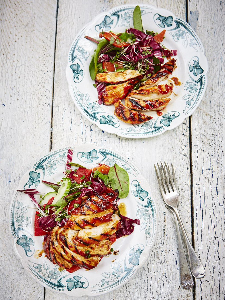 #Recipeoftheday Barbecue chicken with an awesome fiery marinade http://t.co/2p2KvAf1UV http://t.co/lPm3q4Wf6w