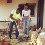 So apparently Dumelo mixes Yvonnes cement blocks? Must be nice ???? http://t.co/Qq2TEOSn3A