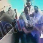 VİDEO-İşte #Beyoğlunda AKPlilerin elini sıkmayan esnafa saldırı görüntüleri http://t.co/U64RlRGLLq http://t.co/JScTvHA6zL