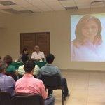 Se reúne @amigarosalinda con los miembros de la @CMIC_Tabasco. http://t.co/yNd4pO7Il7