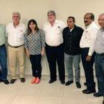 Agradezco al gremio de la @CMIC_Tabasco y a su Presidente @jldagdug por el encuentro con constructores. http://t.co/o3Hzf7vqXA