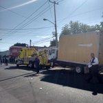 La unidad que provoco retraso de 3 horas transporta material electoral de distrito 11 @NTRGuadalajara http://t.co/KomGQObYp1