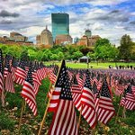 37,000 flags decorate the #bostoncommon today for Memorial Day #MemorialDayWeekend #BostonStrong http://t.co/ExhskgTLRA