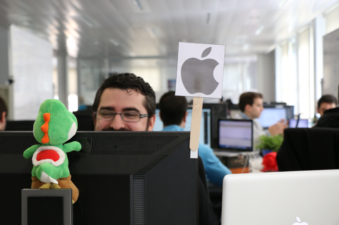Tenemos un puesto vacante para un desarrollador de #iOS senior. RT si conoces a alguien! http://t.co/5cuo7PjYre http://t.co/T4xKjsMh0W