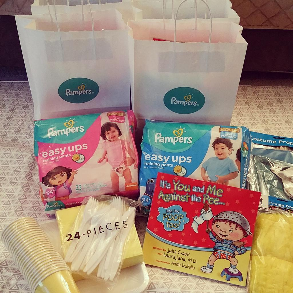 We're super excited at @debbiemc18 house for the upcoming #PampersEasyUps potty training tips party!! @Pampers. #ad http://t.co/ZvwWNE16HI