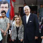 İstanbul Bakırköy Özgürlük Meydanındaki AK Nokta standını ziyaret ettim.Çalışanları tebrik ediyorum.@akpartibakirkoy http://t.co/y5sAKhUpzJ