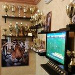 ماشاء الله تبارك الرحمن ..متحف نصوري نجم الجمباز في نادي #الاتحاد _ انجازات _ نصوري http://t.co/CDZDNEvr7K