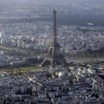 Eiffel Tower closed as workers protest aggressive pickpockets http://t.co/ynTNuhh3Ut http://t.co/4SGuoooxYu