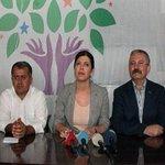 HDPden terör örgütü DHKP-Cye teşekkür http://t.co/aaCl93VkoW http://t.co/88G6RFfruW