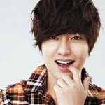 Lee Min Ho talks in depth about why he donated to Nepal under his fan clubs name http://t.co/vlQVEdxJuE http://t.co/Ze69MPGzjD