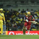 Dhoni Pointing out The International Space Station is passing overhead #CSK @Manavparekh @JaydipParikh http://t.co/sHIm5MHroG