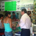 Estamos recorriendo las calles de la colonia Las Águilas, platicando con gusto con los vecinos y comerciantes. http://t.co/kER6jNf3iO