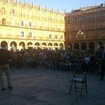 La @LaGacetaSA vuelve a equívocarse y la Plaza Mayor se llena de personas que desean participar en la política. http://t.co/zImiLNrTkz