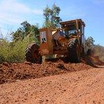 @cidadepalmas beneficia produtores ao recuperar 4 mil km de estradas vicinais http://t.co/K0yrcIypXj #NorteAgroTO http://t.co/923wizeP2o