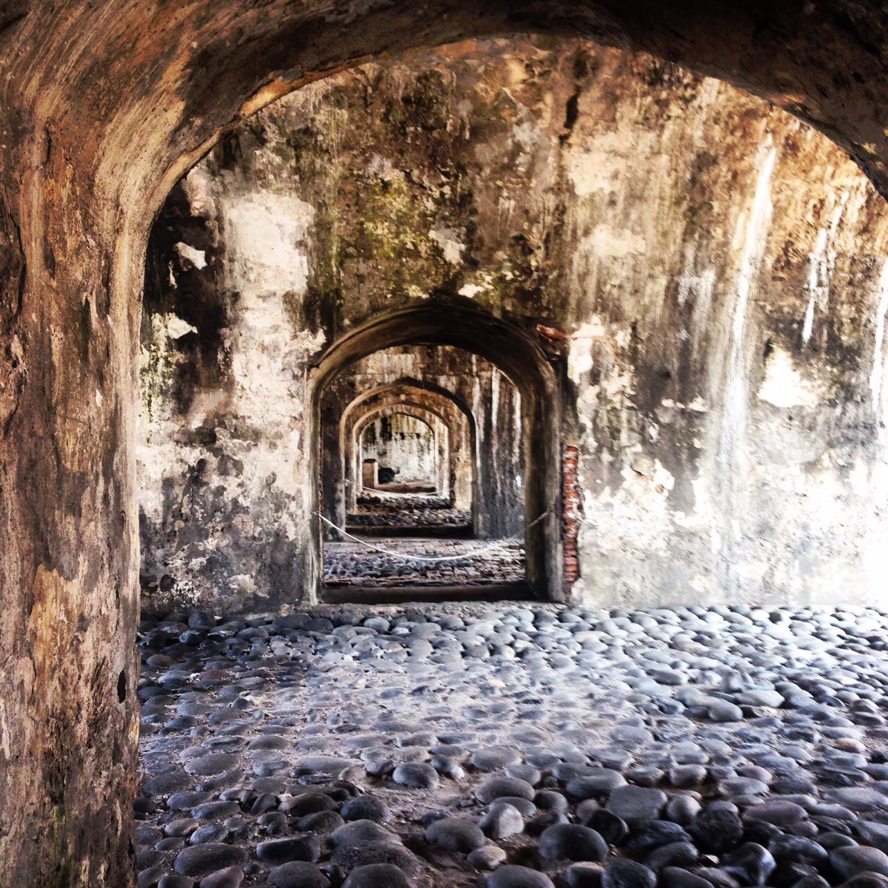 ¿Cuántas historias sabrán estos pasillos? ¡Sí, estamos en #SanJuanDeUlúa! @VeracruzTurismo http://t.co/5NeTC0T0SR