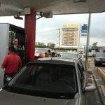 "Largas colas en las 16 bombas ""todo usuario"" en #Maracaibo http://t.co/NKlefPUjDf http://t.co/DUNVP4hdDW"