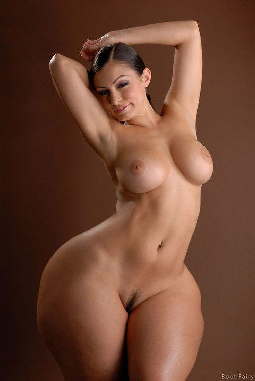 Фото широкие голая