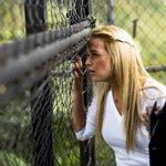 Esposa del opositor Leopoldo López denuncia que la desnudaron durante requisa en la cárcel http://t.co/jBTwAHSdwh http://t.co/maz9eXiO96