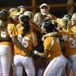 #LadyVols are heading to the Womens College World Series: http://t.co/fu0FdF9e8M http://t.co/mg3Hj2Uskw