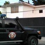 En desarrollo: Allanan casa del ex gobernador de #Aragua, Rafael Isea, en la Urb. El Castaño 6:43pm #22M http://t.co/pfQgH0hz2k