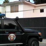 Allanan casa de Rafael Isea en Aragua http://t.co/jzcirmACf7 http://t.co/KblGsjl5uB