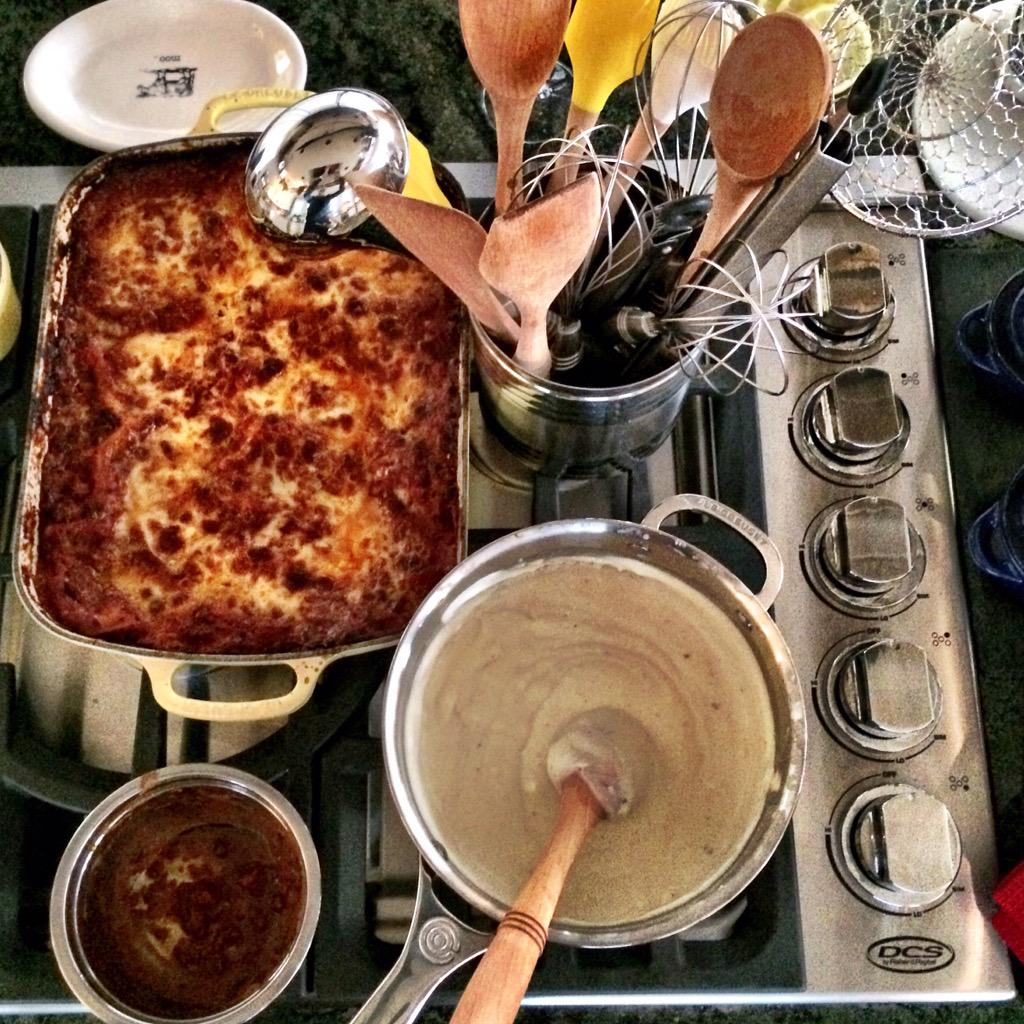 Welcome to Valerie's Home Kitchen. Can I pls have a fork for the lasagna #ValeriesHomeCooking @Wolfiesmom #lasagna http://t.co/lMjxyJjvXN