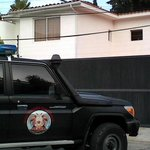 Allanan casa de Rafael Isea en Aragua http://t.co/Fomfjrg1TR http://t.co/A5pzCG2PIC