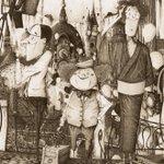 """""""絵本画家""""キンコン西野が過去最大の個展開催 3作品から150点公開 http://t.co/QbOoOo6JQK http://t.co/cEg3bfcK9r"""