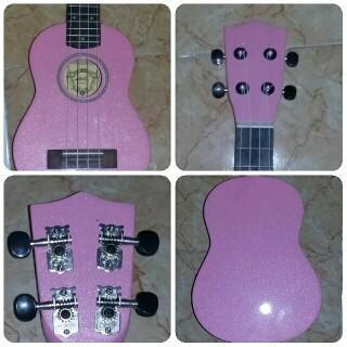 Yg suka nyanyi & cover lagu :) ada ukulele unik nih,merk aloha import china suara bgs wrna lucu. Only 120k minat PM! http://t.co/7M4pDFgFgy