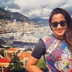 RT @RocketSujeet: Looking beautiful and Gorgeous my fav singer love u @ShwetaPandit7 http://t.co/0JGWspHgVv