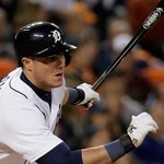 .@JamesMcCann34 just keeps hitting. He drove in two more runs tonight. http://t.co/3YTCHTAg7s #Tigers http://t.co/zkSWTU3b7h