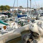 """La città del sole assicurato: """"Venite in vacanza a Pesaro e se piove weekend gratis"""" http://t.co/uWExCmtFpl http://t.co/7mIjHRkKFn"""