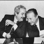 #Falcone, #Borsellino e quanti sono morti nella battaglia per la #legalità sono i nostri veri #eroi. #ionondimentico http://t.co/9hA0vdq70W
