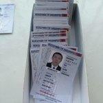Бүхэл бүтэн Монгол улс жолооны үнэмлэх нэртэй жижкэн пластик хэвлэж чадку цаасан др өнгөтөөр ингэж суух ч гэж дээ http://t.co/M2U7eaPRpA