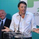Renzi con De Luca: «A testa alta» (ha detto proprio così, per davvero) http://t.co/V8cH9CBccB http://t.co/KHqZqI1e1d