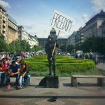 """My LIVING $CULPTURE #performance (busking for money with """"freedom"""" sign) part of 5.Festival Performance #Prague http://t.co/FfrjJwHJSC"""
