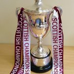 Remember folks,you can have a pic taken with this beauty from 12 til 4pm today at Tynecastle #champions #stepping up http://t.co/4tgWD6gSHV