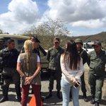 No nos dejan pasar a Ramo Verde y constatar el estado de @leopoldolopez, no sabemos nada de él! http://t.co/HiQRKYIb3X