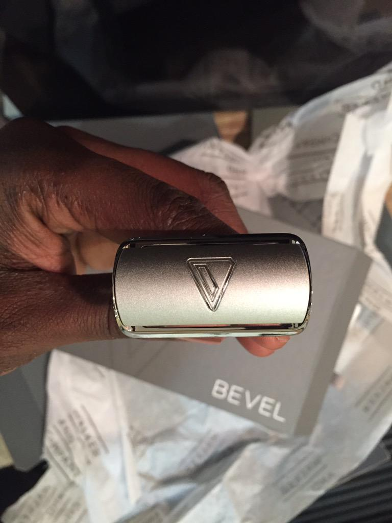 Received my @bevel from @walkercobrands. The unboxing was quite the experience. Can't wait to start using the kit! http://t.co/1kNvSmnrNF