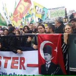 İlk Gezi olaylarında elele tutuştular, sonra gizli gizli buluştular, bugün İzmirde aşkları ifşa oldu! Kamalist & HDP http://t.co/E5UJ2E7AQj