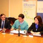 En Punta Arenas firmando convenio con la UMAG para el programa de compostaje para la Reg de Magallanes @carolinagoic http://t.co/d4UFfOndwk