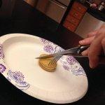 qnd sua mãe sai e não deixa comida preparada http://t.co/bXKjEEGEJJ