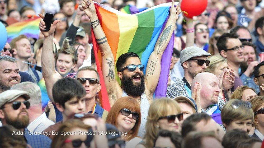 Ireland becomes first country to legalize gay marriage by popular vote http://t.co/Bjybx2ALQz
