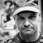 Должен ли комбриг Мозговой получить звания героя России и Новороссии посмертно?   Нет - избранное Да - ретвит http://t.co/yZap801rH1