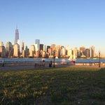 Gorgeous weather, gorgeous view #JerseyCity #MemorialDayWeekend http://t.co/RypgUpcdjA