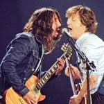 So @PaulMcCartney 40 songs value for money incl I Saw Her Standing There w Dave Grohl, Let It Be, Hey Jude, The End http://t.co/j5dN0M8Aya