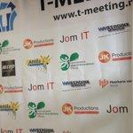 Podiumdoek gereed voor morgen dankzij @Qdrukwerk #zinin #knallen #podium http://t.co/WfoncZQFnr