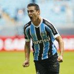 Matías Rodríguez foi agredido por um torcedor do Grêmio | http://t.co/3Mj6Q5utky http://t.co/VBF3XByl3v