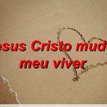 #JesusMudouMeuViver - Com a tag, twitteiros prestam homenagens a Cristo, Nosso Salvador. #NosTrendsBrasil http://t.co/5xm3qE0kWH