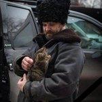 Убили подло, не в бою, из темноты стреляя снова. Поставим свечку мы свою за Александра Мозгового. #Мозговой #ЛНР #ДНР http://t.co/4pti5gz9d1